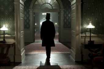 Lincoln-walking-away
